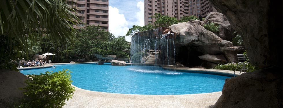 Oasis pool at Hong Kong Parkview